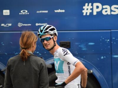Giro di Gran Bretagna 2018: Wout Poels batte Julian Alaphilippe a Whinlatter Pass. Il francese si prende la maglia di leader