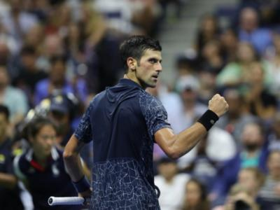 Tennis, Masters 1000 Shanghai 2018: Djokovic affronterà Zverev in semifinale. Federer supera Nishikori