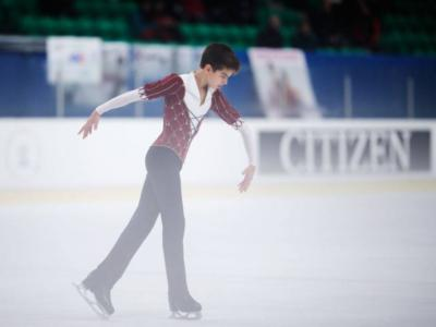 Pattinaggio artistico, Junior Grand Prix Ljubljana 2018: Petr Gumennik conquista il primo posto. In danza avanti Avonley Nguyen-Vadym Kolesnik