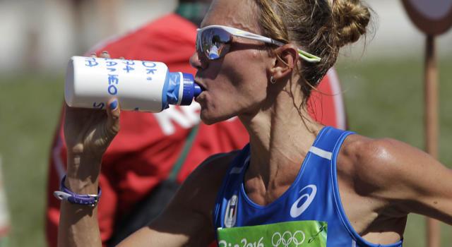 Maratona Valencia 2018: risultati e classifica. Gebresellassie vince e va sotto le 2h05′, Valeria Straneo nona al rientro