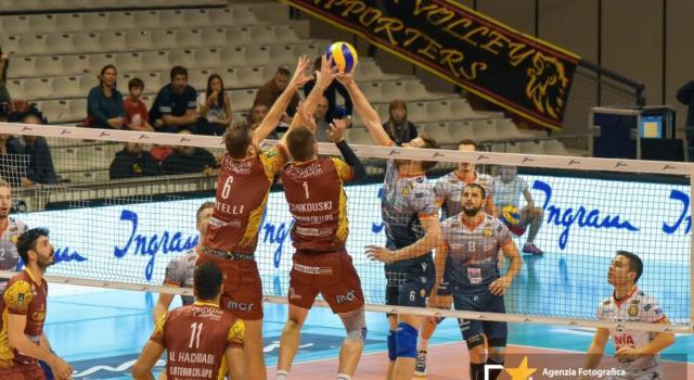 Volley, campionati sospesi: non ci saranno retrocessioni e promozioni. Cosa succede a SuperLega e Serie A1?