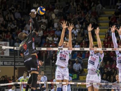 LIVE Trento-Civitanova volley in DIRETTA: 2-3, il tiebreak è dei marchigiani! Che spettacolo in gara-1 di semifinale!