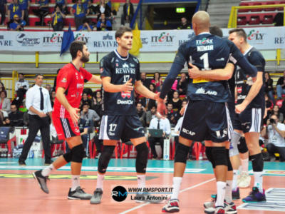 Volley, SuperLega: 19^ giornata, Milano sconfigge Sora nel posticipo. Che rimonta dallo 0-2, Abdel-Aziz e Clevenot show
