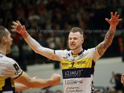 Volley, Playoff Scudetto: Modena è la prima semifinalista! Zaytsev e compagni battono Milano, serie chiusa sul 2-0