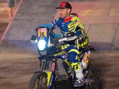 Dakar 2019, risultati nona tappa moto: Michael Metge vince a sorpresa nella mass start, Toby Price conserva il primato. Van Beveren si ritira