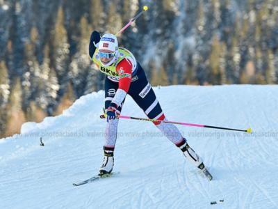 Sci di fondo, Tour de Ski Oberstdorf 2019: Oestberg domina l'inseguimento e lascia Nepryaeva a mezzo minuto. Ganz 28a, Pellegrini 31a