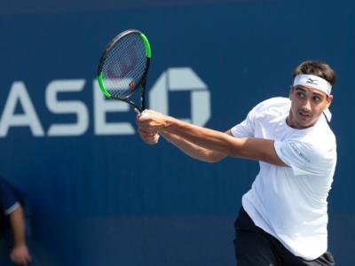 Tennis, ATP San Paolo 2019: Lorenzo Sonego lotta ma cede in tre set a Leonardo Mayer. Azzurro ko al secondo turno