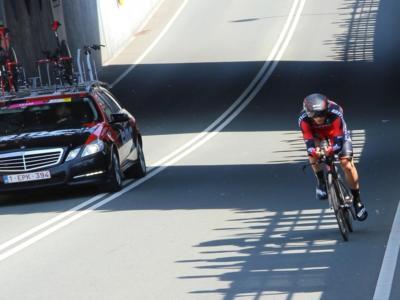Ciclismo, Manuel Senni investito durante un allenamento. Frattura allo scafoide per l'italiano