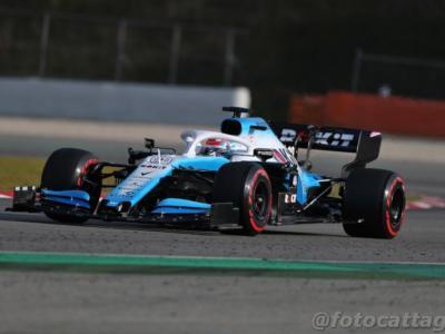F1, cosa è successo a Baku? Prove libere 1 cancellate per un tombino, Williams danneggiata. Pessima figura degli organizzatori