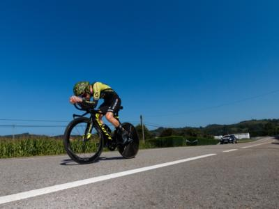 LIVE Tirreno-Adriatico 2019, cronometro S. Benedetto del Tronto in DIRETTA: finale pazzesco, Roglic trionfa su Adam Yates per un solo secondo!