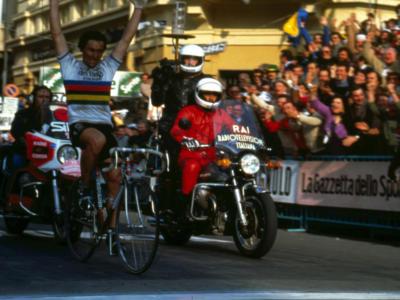 Ciclismo, i Mondiali dell'Italia: Giuseppe Saronni e quella rasoiata di Goodwood che non diede scampo a Lemond