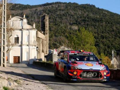 Rally Corsica 2019: Elfyn Evans fora, Thierry Neuville vince la gara e sale in vetta alla classifica generale!
