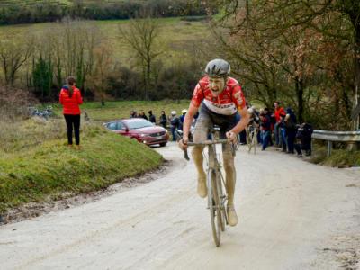 Ciclismo, l'UCI introduce nuove regole sull'utilizzo di tratti non asfaltati nelle gare su strada