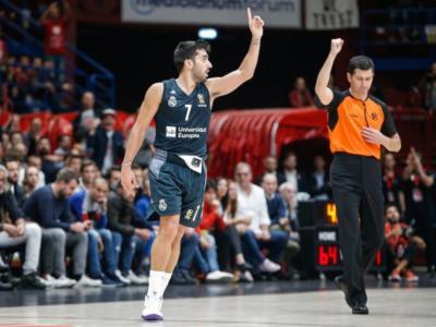 Basket, Playoff Eurolega 2019: esordio vincente per l'Anadolu Efes contro il Barcellona, finale brivido del Real Madrid sul Panathinaikos