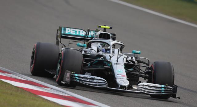 Griglia di partenza F1, risultati e classifiche Qualifiche GP Cina 2019. Valtteri Bottas in pole position, Ferrari in seconda fila