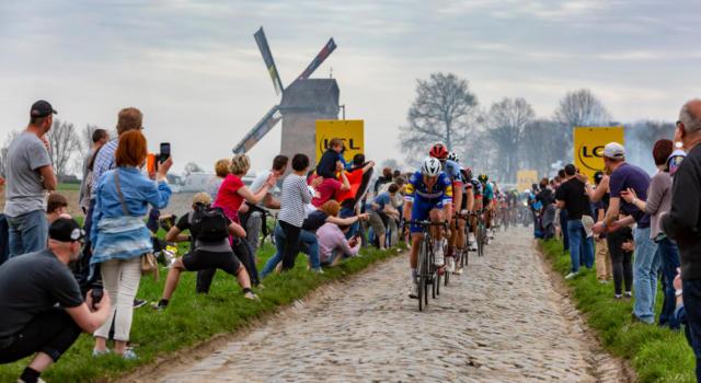 """Parigi-Roubaix 2002 a rischio cancellazione: corsa """"messa in discussione"""". Tutti gli ultimi scenari"""