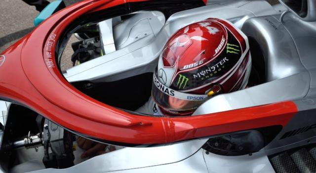 """F1, Lewis Hamilton su Niki Lauda: """"Senza di lui non avrei accettato l'offerta della Mercedes. Era un riferimento per il team"""""""