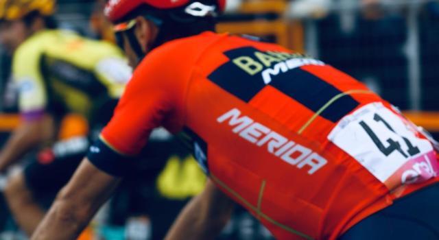 """Classifica Giro d'Italia 2019, sedicesima tappa: Vincenzo Nibali secondo a 1'47"""" da Carapaz. Il Mortirolo stravolge tutto"""