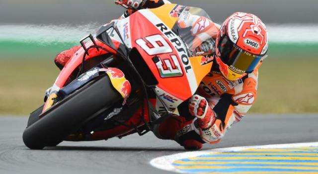 """MotoGP, Marc Marquez sente dolore: """"Peggio di quanto mi aspettassi, non ho la solita posizione di guida"""""""