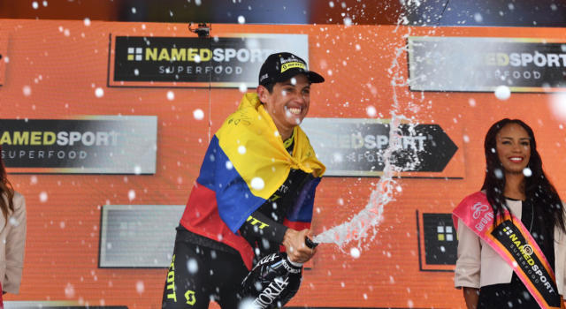 VIDEO Giro d'Italia 2019, 19^ tappa: highlights e sintesi. Fuga vincente di Chaves, controllo tra i big in salita