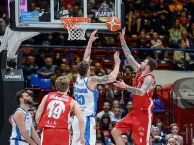 LIVE Olimpia Milano-Dinamo Sassari basket, Gara-2 Playoff in DIRETTA: 101-112, dominio degli ospiti nel supplementare! Sardi sul 2-0!