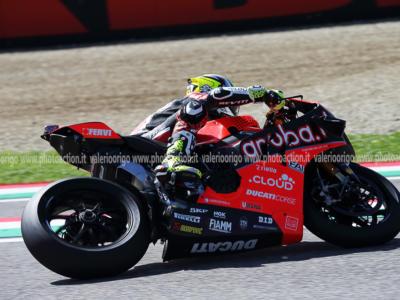 LIVE Superbike, GP Italia Imola 2019 in DIRETTA: Rea vince in scioltezza gara-1 su Bautista, out Davies
