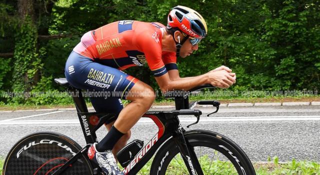 """Classifica Giro d'Italia 2019, diciottesima tappa: Richard Carapaz resta in maglia rosa con 1'54"""" su Nibali"""