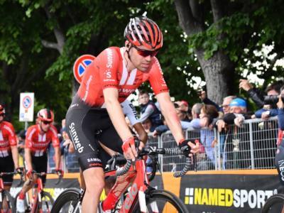 """Ciclismo, Iwan Spekenbrink: """"Nessun errore nel trattare il ginocchio di Tom Dumoulin, ma il Tour non era fattibile"""""""