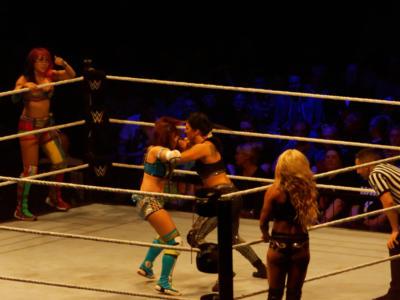 WWE Smackdown – Report, risultati e highlights ultima puntata: nuova rivalità nella divisione femminile