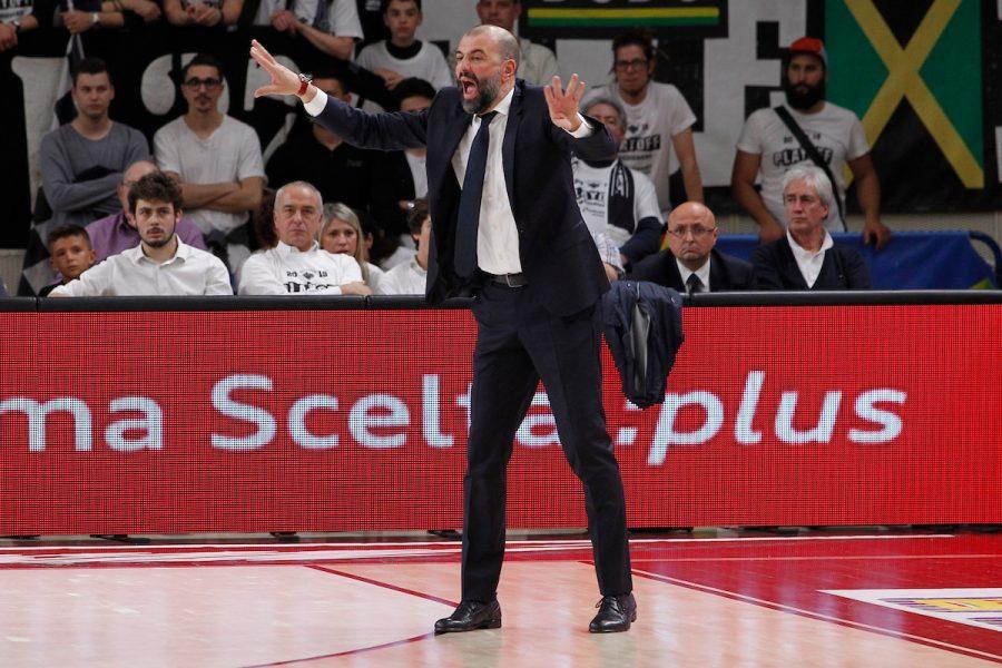 Basket, Serie A 2020 2021: per Brescia vicina la firma con coach Buscaglia