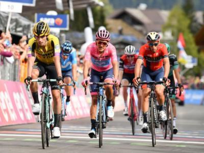 LIVE Giro d'Italia 2019, Ventesima tappa in DIRETTA: attacchi a ripetizione di Nibali, Carapaz resiste