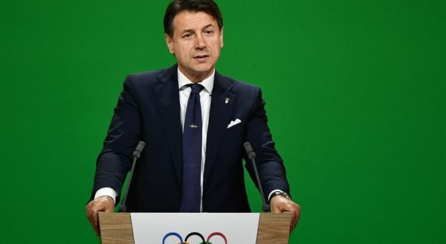 """Italia intera in zona rossa per il coronavirus. Conte: """"Non possiamo più tollerare certi comportamenti"""""""