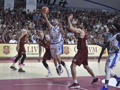 LIVE Dinamo Sassari-Venezia basket, Gara-6 Finale Scudetto in DIRETTA: 87-77, successo della Dinamo, si decide tutto in gara-7!