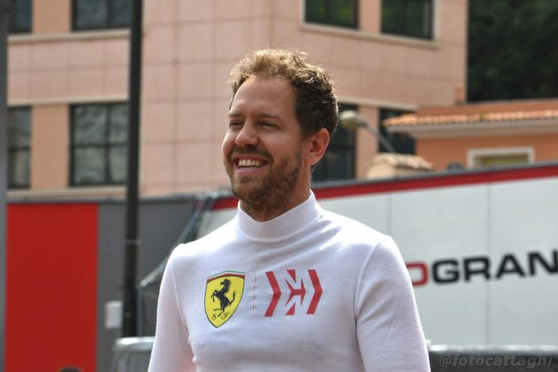 """Sebastian Vettel: """"Con Mercedes trattamento equo"""""""