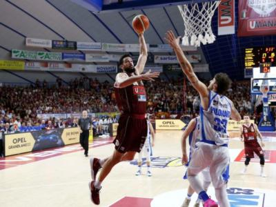 LIVE Venezia-Dinamo Sassari basket, Gara-5 Finale scudetto in DIRETTA: 78-65, la Reyer va sul 3-2 e tra due giorni avrà il match point!