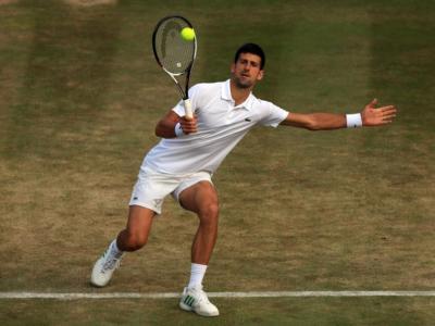 VIDEO Wimbledon 2019, il colpo al volo in tuffo di Novak Djokovic