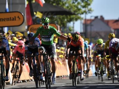 I ciclisti si tagliano gli stipendi per il coronavirus? Squadre in crisi, pareri discordanti: quanti soldi guadagnano?
