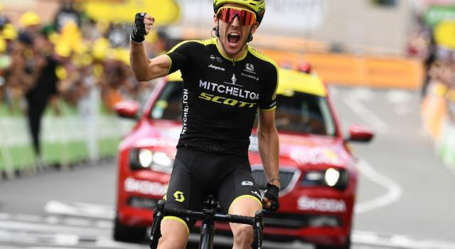 """Classifica Tirreno-Adriatico 2020, quinta tappa: Simon Yates in maglia azzurra. Masnada 5° a 54"""", Nibali a quasi 6′"""