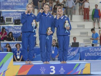 Ginnastica artistica, Universiadi 2019: Italia di bronzo con la squadra! Lara Mori, Carlotta Ferlito, Martina Rizzellli festeggiano