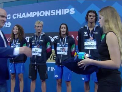 Nuoto, Mondiali Juniores 2019 Budapest. L'Italia non si ferma! Burdisso d'argento nei 100 farfalla. Bronzo per Gaetani nei 200 dorso e per la 4×100 mista stile libero
