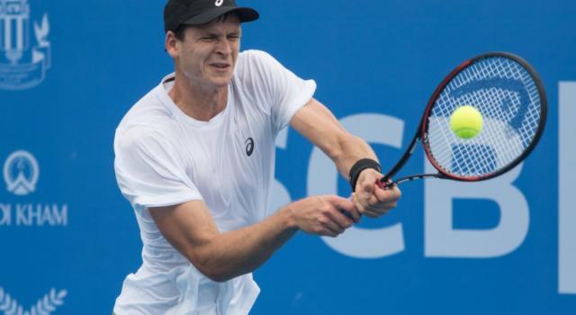 Tennis, Lorenzo Sonego viene battuto da Hubert Hurkacz nel primo turno dell'ATP di Auckland 2020
