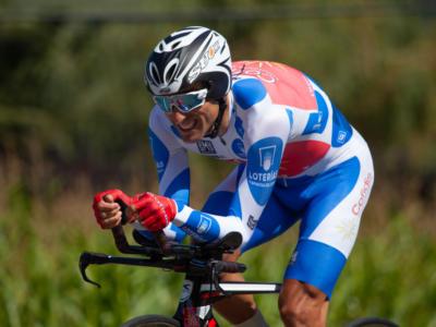 """Giro di Polonia 2019, oltre 50 punti di sutura alla testa per Luis Angel Mate: """"Il casco mi ha salvato la vita"""""""