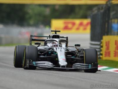 """F1, Lewis Hamilton: """"Il contatto con Leclerc? Fossimo stati in lotta per il Mondiale ci saremmo scontrati, non mi spostavo"""""""