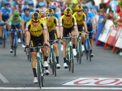 Tour de France 2020, lo strapotere della Jumbo-Visma. Corsa dominata: Van Aert e Kuss fanno male, Roglic finalizza