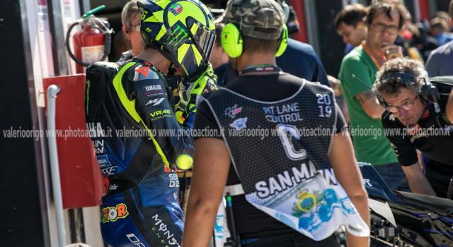 VIDEO Valentino Rossi si allena su una moto da cross dopo 3 anni: il Dottore si prepara per la MotoGP