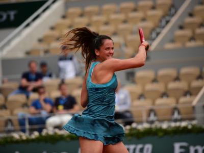 WTA Praga 2021, Nina Stojanovic ko, sospesa Siniakova-Smitkova