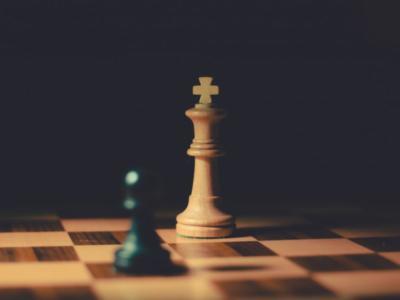 Scacchi: Alireza Firouzja, talento d'Iran, ai Mondiali rapid e blitz con bandiera FIDE. Connazionali costretti a lasciare Mosca causa israeliani in gara