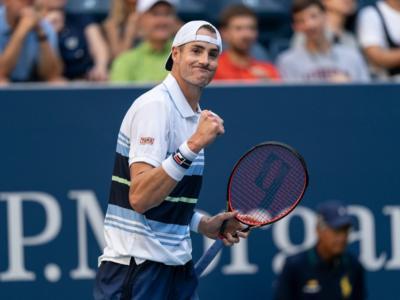 Tennis, ATP Auckland 2020: i risultati del 16 gennaio. Paire e Isner in semifinale, eliminato Shapovalov