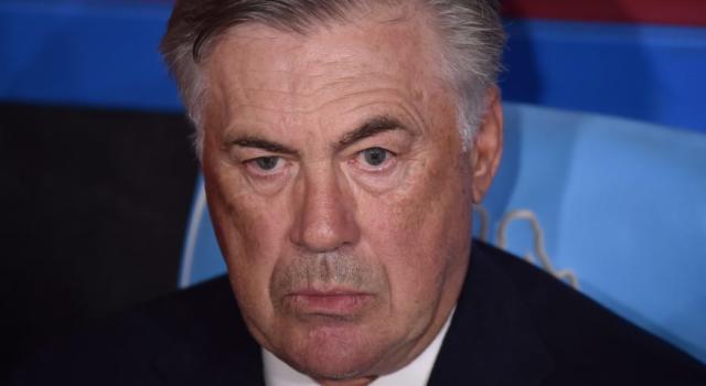 Calcio, Carlo Ancelotti ed i giocatori dell'Everton si tagliano lo stipendio