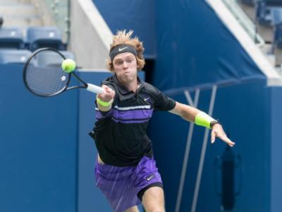 Tennis, ATP Doha 2020:  Andrey Rublev e Corentin Moutet in finale, stupisce il francese contro Wawrinka